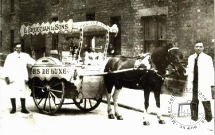 Great Britain, England, London. The Bruccianis with their ice-cream cart