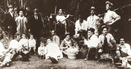 Brazil, Southern Rio Grande, Caxias. Some people from Veneto, belonging to a mutual aid association, having a picnic breakfast