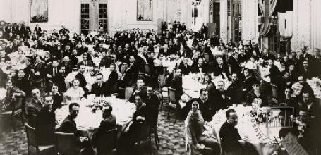Great Britain, 1930s. People from an Italian community having lunch together