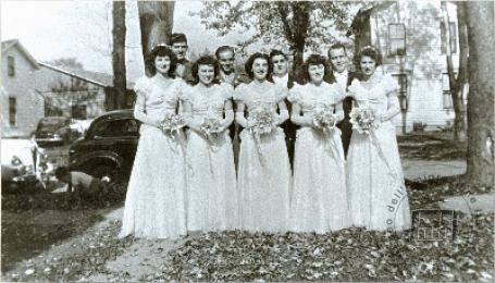 U.S.A., New York, 1945. Bridesmaids and their beaux